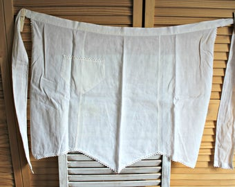 Vintage. apron! White. Ruffle trimming. Kitchen. Apron. With pocket. Very cute! 1960s.