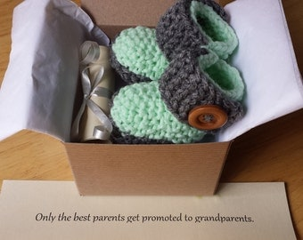 Pregnancy reveal, Baby Booties, Pregnancy announcement, Baby Ugg boots, Crochet booties, SHIP SAME DAY!