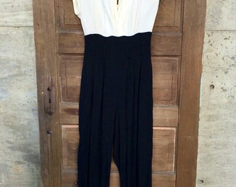 Vintage 90's Elegant Black and White Jumpsuit With Plunging Neck by Shelli Segal size Tall small/Medium