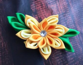 Daffodil hair bow, yellow flower hair clip. Waterlily hair clip. Kanzashi hair flower. Japanese Fabric Flower. Fall wedding hair accessories