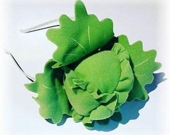 "Fascinator ""lettuce"", headband with green salad!"