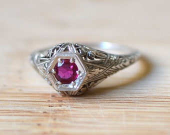 1920s 18K White Gold 0.29 Carat Ruby Filigree Ring - 1920s Engagement Ring - 1920s Ruby Ring - Art Deco Engagement Ring - Center Ruby Ring