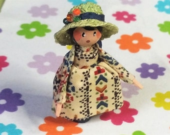 Handcrafted OOAK wooden Dillydolly - Effie-Lou and her hat!