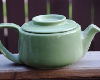 Teapot, Vintage Hall China Co, Green Teapot, Tricolator Product, Green, 4 Cup, Simple Style, 1950s