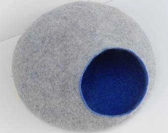 Felted Wool Cat Cave, Cat House. Made in SCOTLAND, Edinburgh. Made by Feltingstudio.