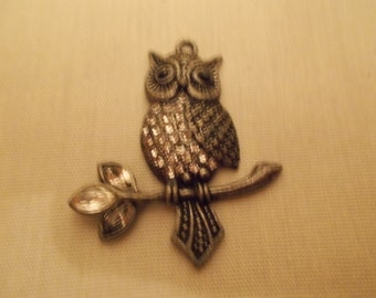 Owl on a Limb - Pendant  (1759*)