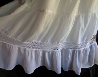 Vintage skirt white cotton full with underskirt wedding bride