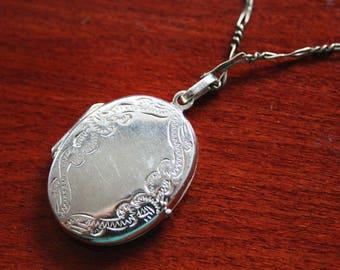 Vintage Solid Sterling Silver Locket Pendant - Photo Locket