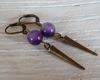 Spikes vintage Ohrhänger mit lila Glasperle geometric Style