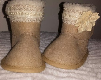 Baby boots, crib shoes, baby booties