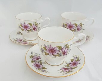 Vintage royal kent bone China england. Coffee cups and saucers set of 3 with gold edge. High tea, collection.