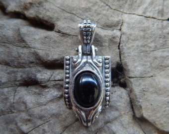 Simple silver pendant black onyx stone