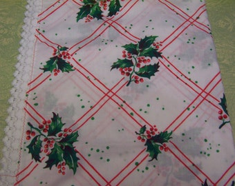 Vintage Christmas holly berries cloth tablecloth table cover four feet