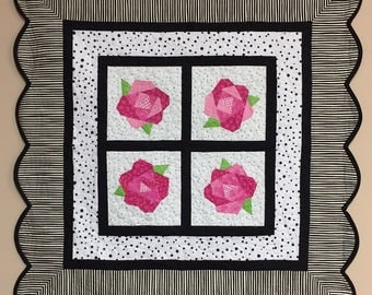 Rose Table Topper Paper Pieced Pattern in PDF