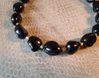 Black freshwater cultured pearl Baroque bracelet