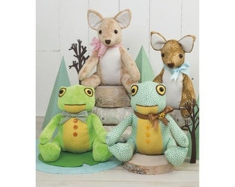 Simplicity Pattern  8311 Stuffed Deer and Frog