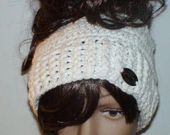 Messy bun hat/Crochet ponytail hat/ Bun hat/ Crochet beanie/ Made to order