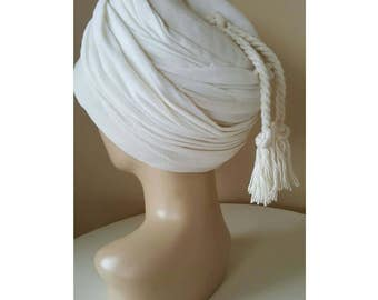 FINAL CLEARANCE Vintage 1940s Cream Fez Hat with Tassel Winter