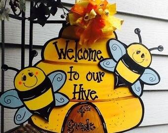 Teacher sign, teacher door sign, school sign,Bee door sign, , bee door hanger, bee happy sign, bumble bee door hanger, beehive door hanger