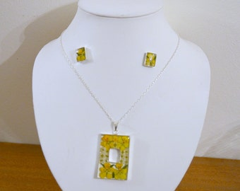 Ornament necklace, earrings, inclusion of yellow flowers, mounted on Silver 925/1000 (FDPC)