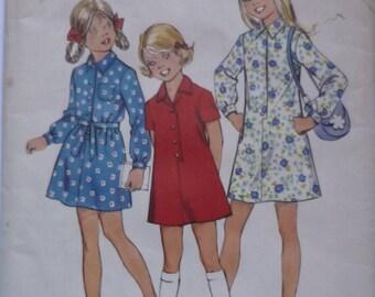 Vintage Sewing Pattern. Simplicity 6495. Dress pattern. 1974. FF unused