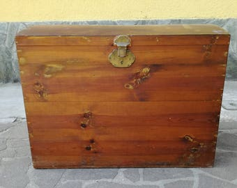 Trunk vintage pirate-old trunk- grandmother trunk-trunk wood-container for bedding or toys