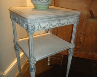 Vintage pretty French style side table with drawer in decorative shabby chic finish