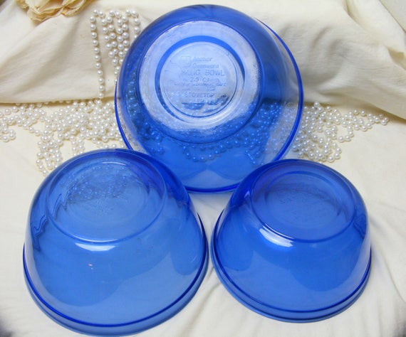 Beautiful Set of Blue Mixing Bowls by Anchor