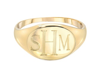 Oval signet ring, engraved signet ring