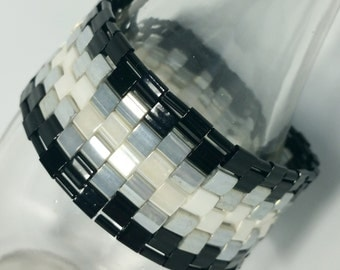 Black, Grey, & White Ombre-Effect Woven Bead Bracelet