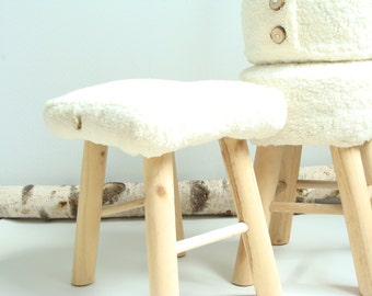 Stool with cotton cloth to lamb