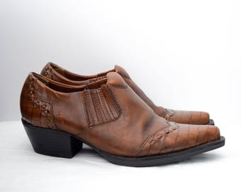 Vintage brown leather cowboy booties, size 7