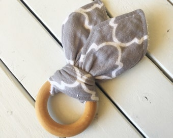 Crinkle Teething Ring - Grey Damask (wooden teether toy, baby boy, baby girl, gender neutral, natural, noise, gray)