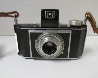 Vintage 1938 Kodak Bantam Folding Camera with Case