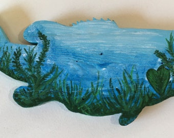 Painted Largemouth Bass with underwater view on reclaimed wood