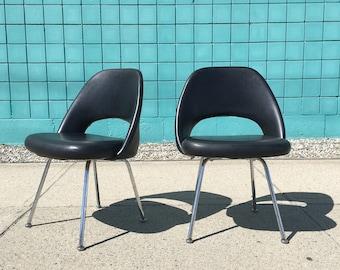 Eero Saarinen | Mid Century Executive Side Chair Pair | Knoll