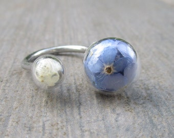 Ring with flower and forget-me-not