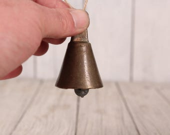 Brass bell - Old brass bell - 1950s bell - Small bell  - Vintage brass bell - Cottage decor - House gift - Country farmhouse decor