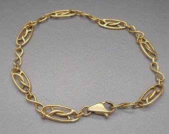 Stunning Art Deco 18 Carat Gold Bracelet 6.7 Grams.
