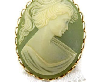 Olive Green & Cream Cameo Brooch Pin, Beautiful Vintage Circa 1950's