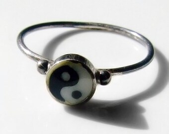 Vintage Silver Yin & Yang Child's Ring Size 1 3/4 - C 1/2