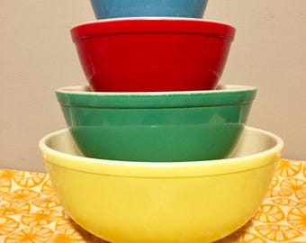 Beautiful Condition 1950's Pyrex Primary Colored Mixing Bowls, Four Bowls, Yellow, Green, Red and Blue, Made In The USA, NJ Estate.