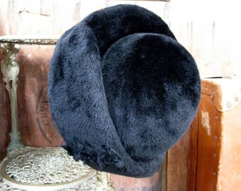 Trikki Hat, Black Faux Fur Hat, Edna Wallace, Black Ladies Hat, Mad Men Hat, Vintage Faux Fur, 1960s Hat, 1960s Fashion, 1960s Accessory