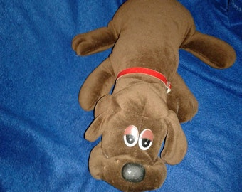 1 Vintage Chocolate Brown Pound Puppies puppy Only ever pay to ship 1 item we cover the rest stock up and save!