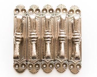 Silver tone drawer pulls vintage Cabinet knobs Dresser drawer pulls Cabinet hardware Drawer handles Dresser knobs Cabinet pulls - set of 5