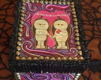 Vintage Mummy Valentines Day Box
