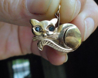 Solid 9k yellow gold kitty cat pendant