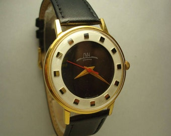 Luch  wrist mens watch AU10 2209 movement  23 Jewels Slim Gold plated watch  USSR RARE Serviced