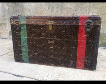 Vintage E. GOYARD AiNES Trunk RARE Steamer trunk with lots of history - Blanket chest - storage coffee table - Functional investment