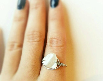 White shell stone boho Ring, white shell ring, boho white stone ring, hippie white stone ring, Boho Ring, adjustable silver hippie ring